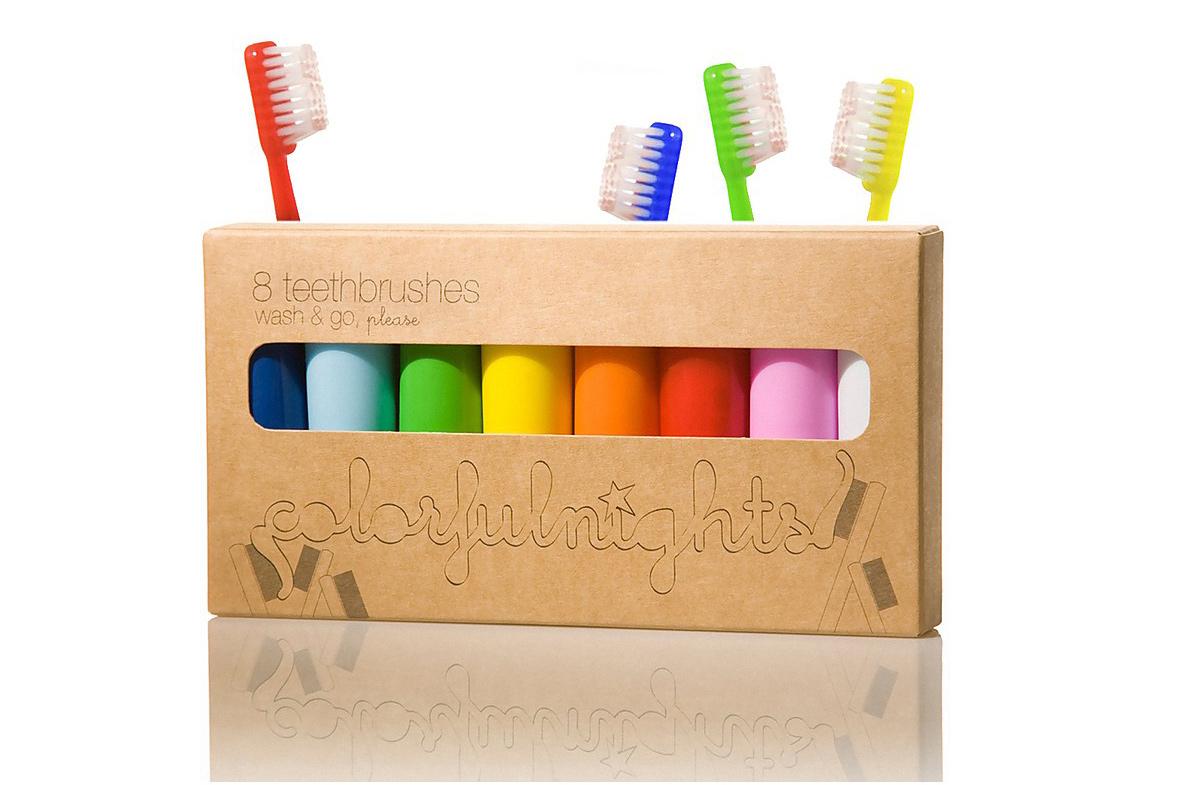 Los mini cepillos de dientes multicolor para viajes… o visitas
