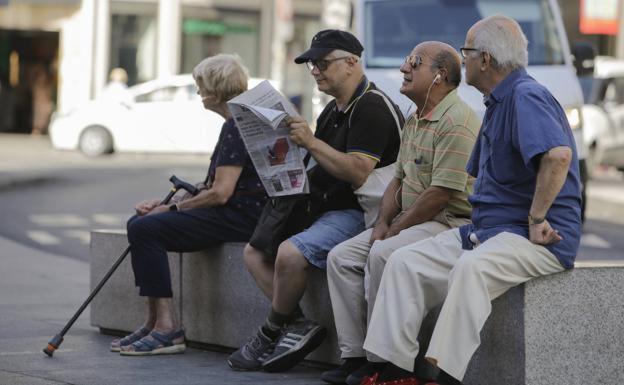 Hasta 240 euros anuales en comisiones de los bancos a los pensionistas más vulnerables