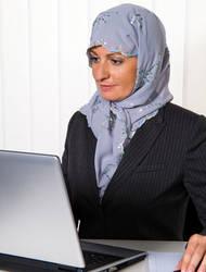 Islamisaatiossa yhteiskunta muuttuu islamilaisten arvojen suuntaan.
