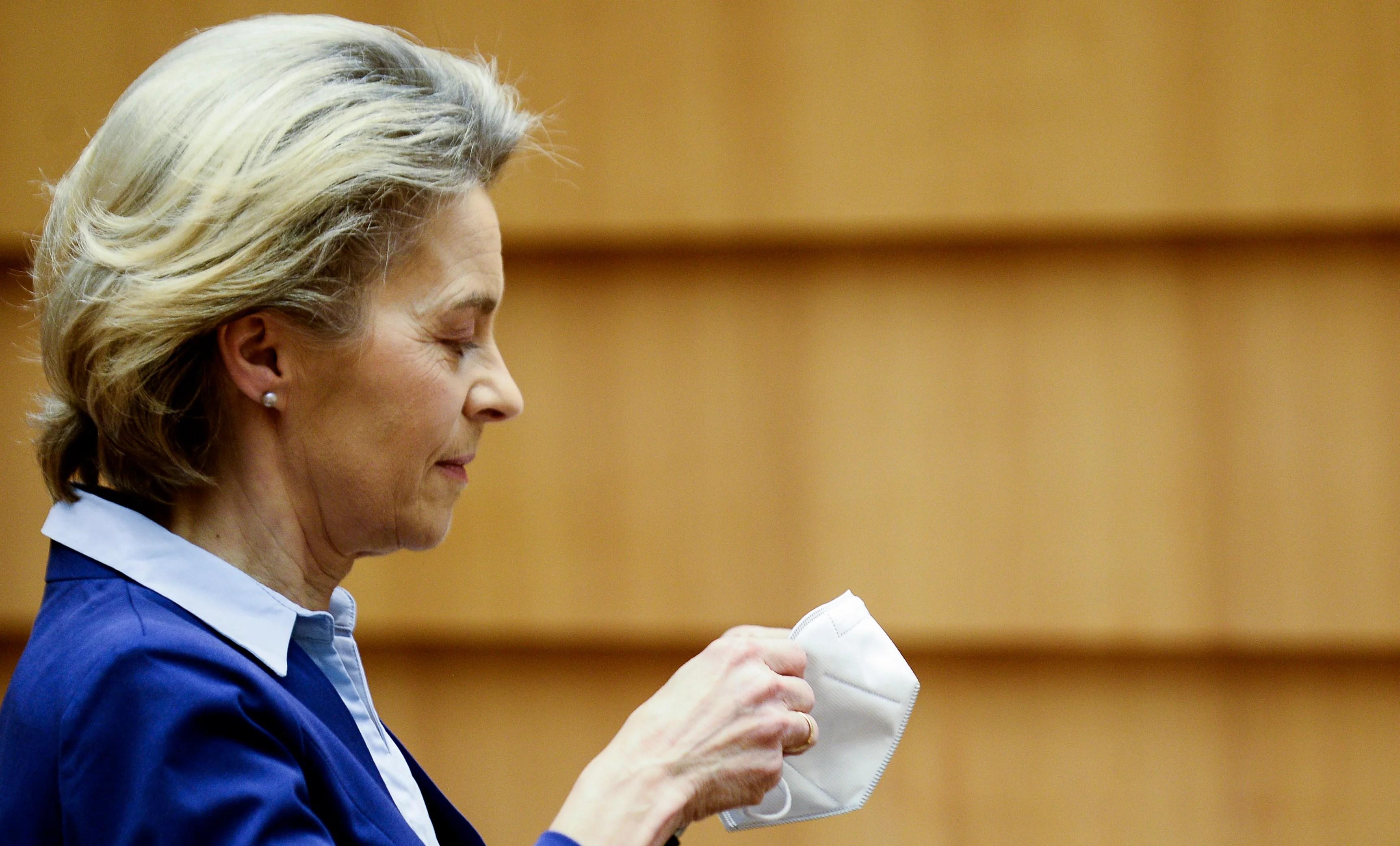 Covid: European 'mistakes were made' over EU-UK vaccine row,  Ursula von der Leyen admits