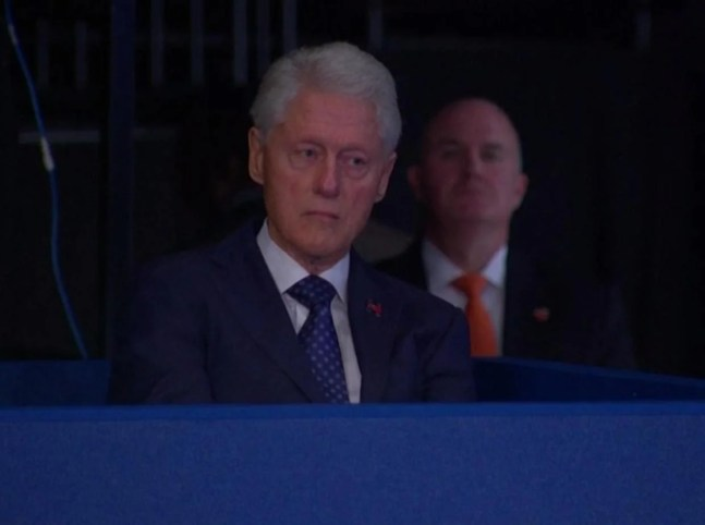 https://i2.wp.com/static.independent.co.uk/s3fs-public/styles/article_large/public/thumbnails/image/2016/10/10/07/bill-clinton-debate.jpg?resize=647%2C482&ssl=1