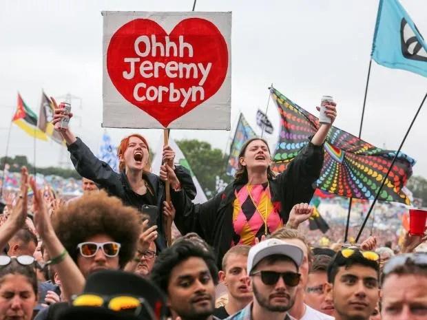 corbyn-fans.jpg