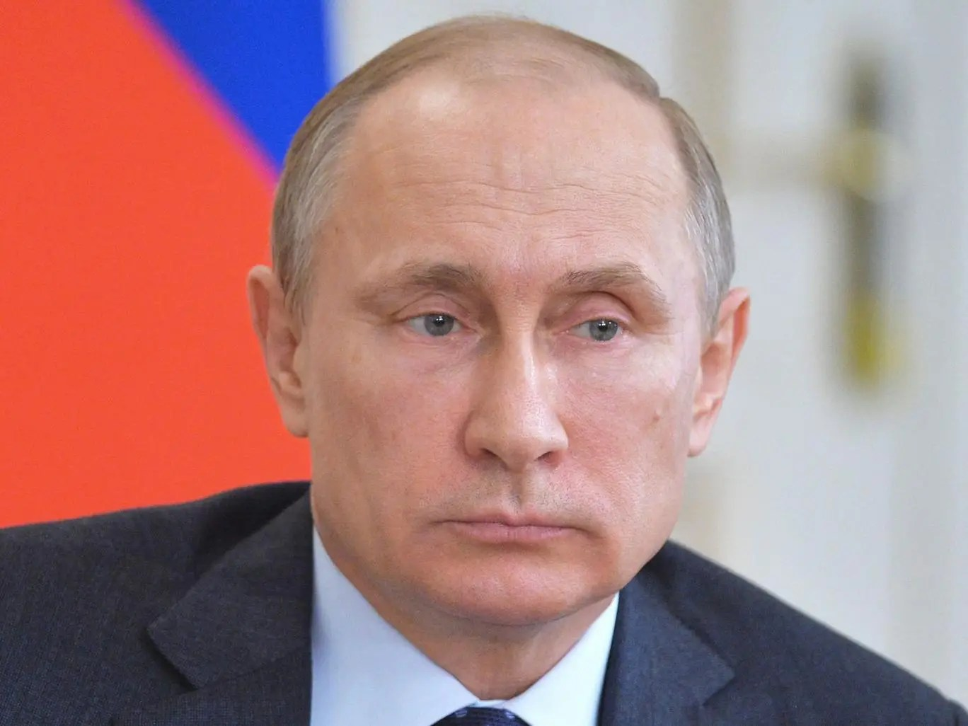 Putin told the Arab League that international military intervention was not the way to solve the world's conflicts