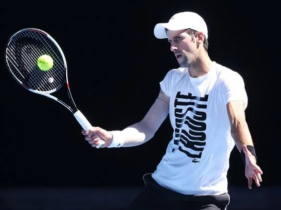 novak djokovic - Australian Open 2018: Roger Federer under weight of his own expectation as rivals struggle with fitness concerns