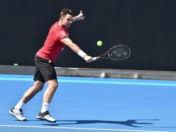 stan wawrinka - Australian Open 2018: Roger Federer under weight of his own expectation as rivals struggle with fitness concerns