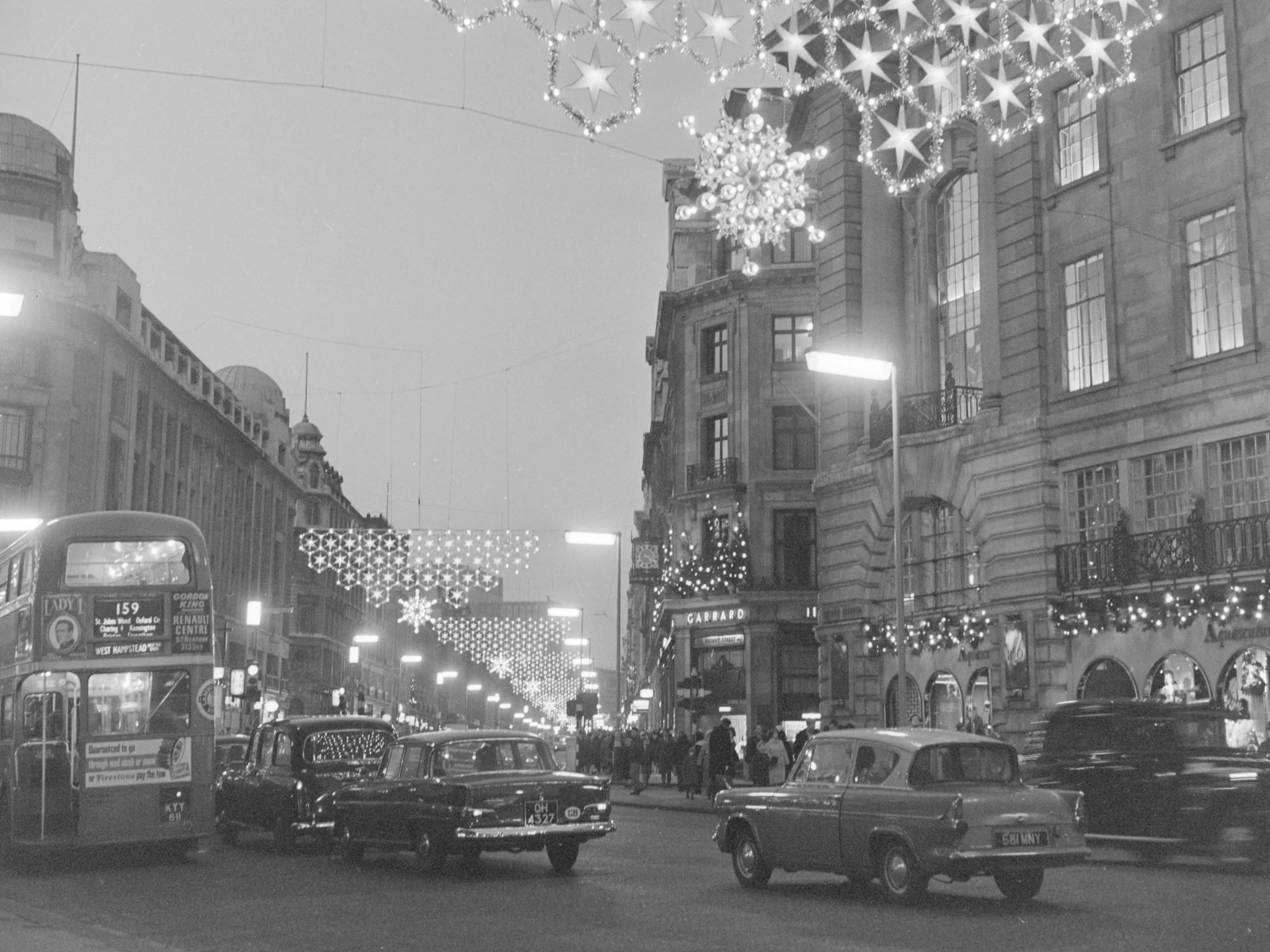 In Pictures Christmas In London Through The Ages The
