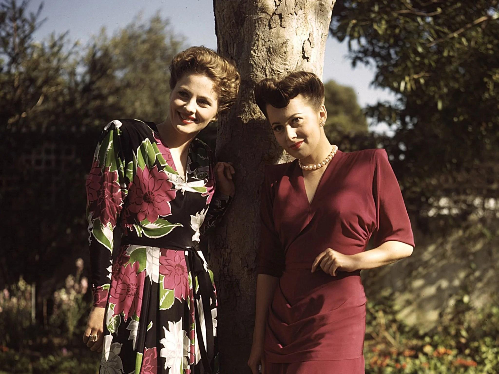 Joan Fontaine and Olivia de Havilland