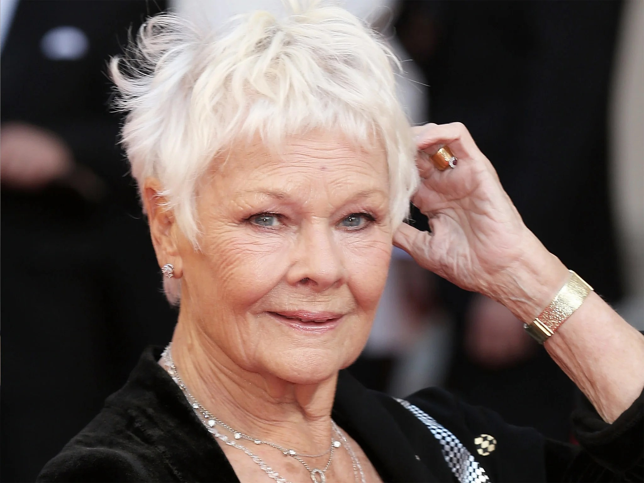 Dame Judi Dench Battles Failing Eyesight But Says Stop