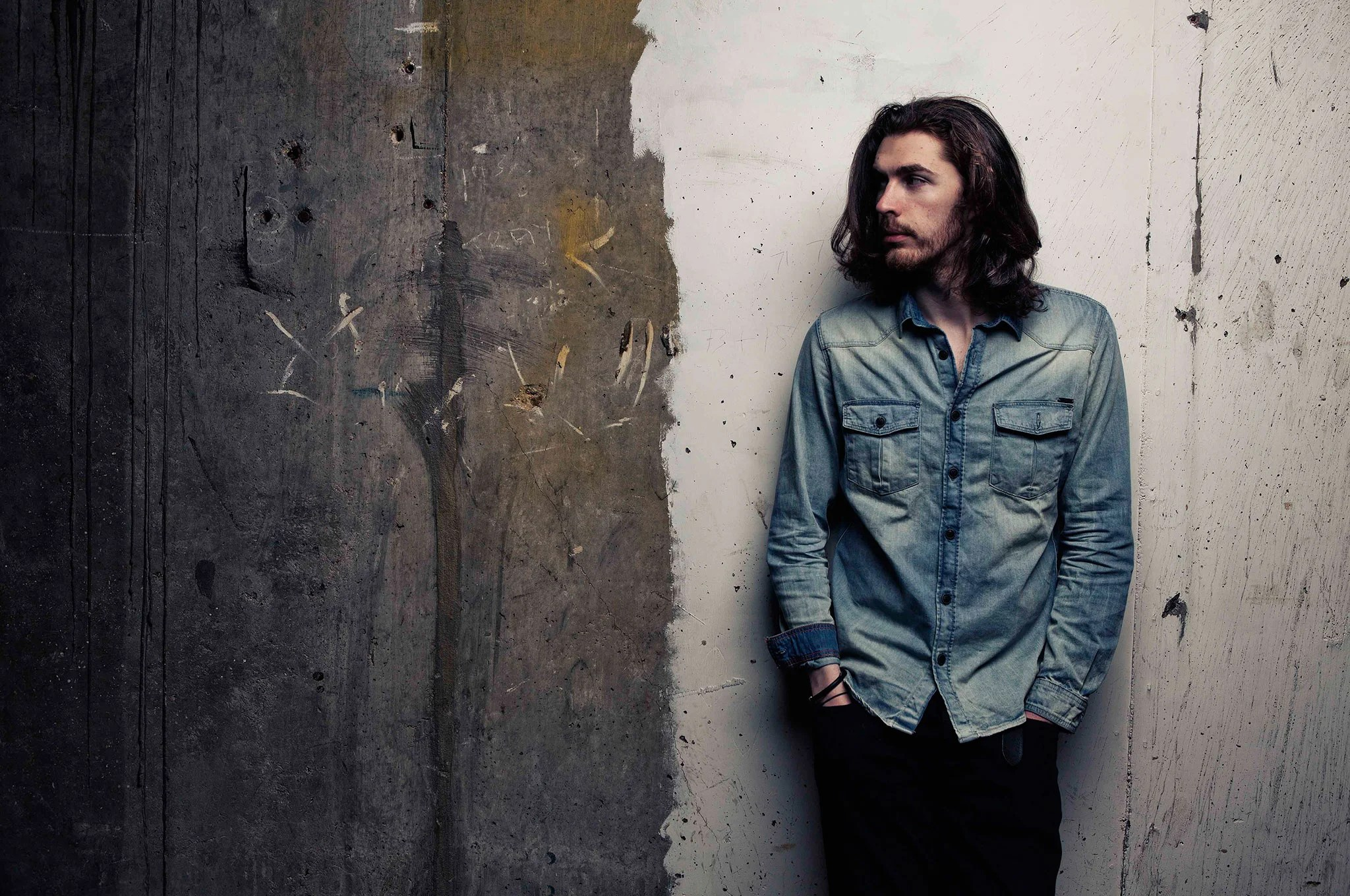 Does Hozier Have Girlfriend