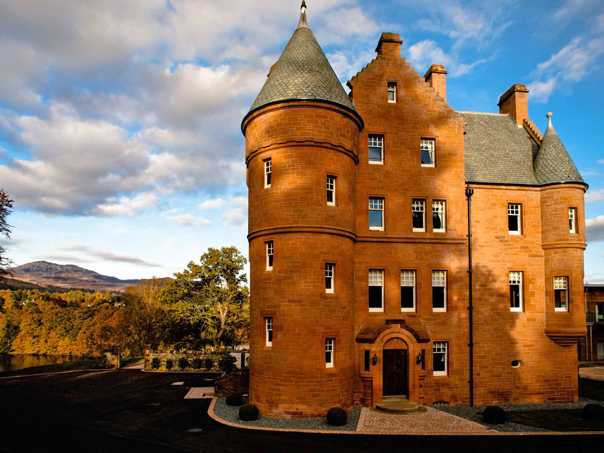 Stay In A Scottish Castle Turrets Bed Steps And Mary