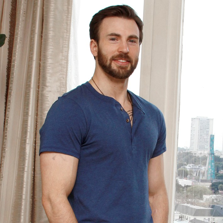 avengers: age of ultron star chris evans interview: captain