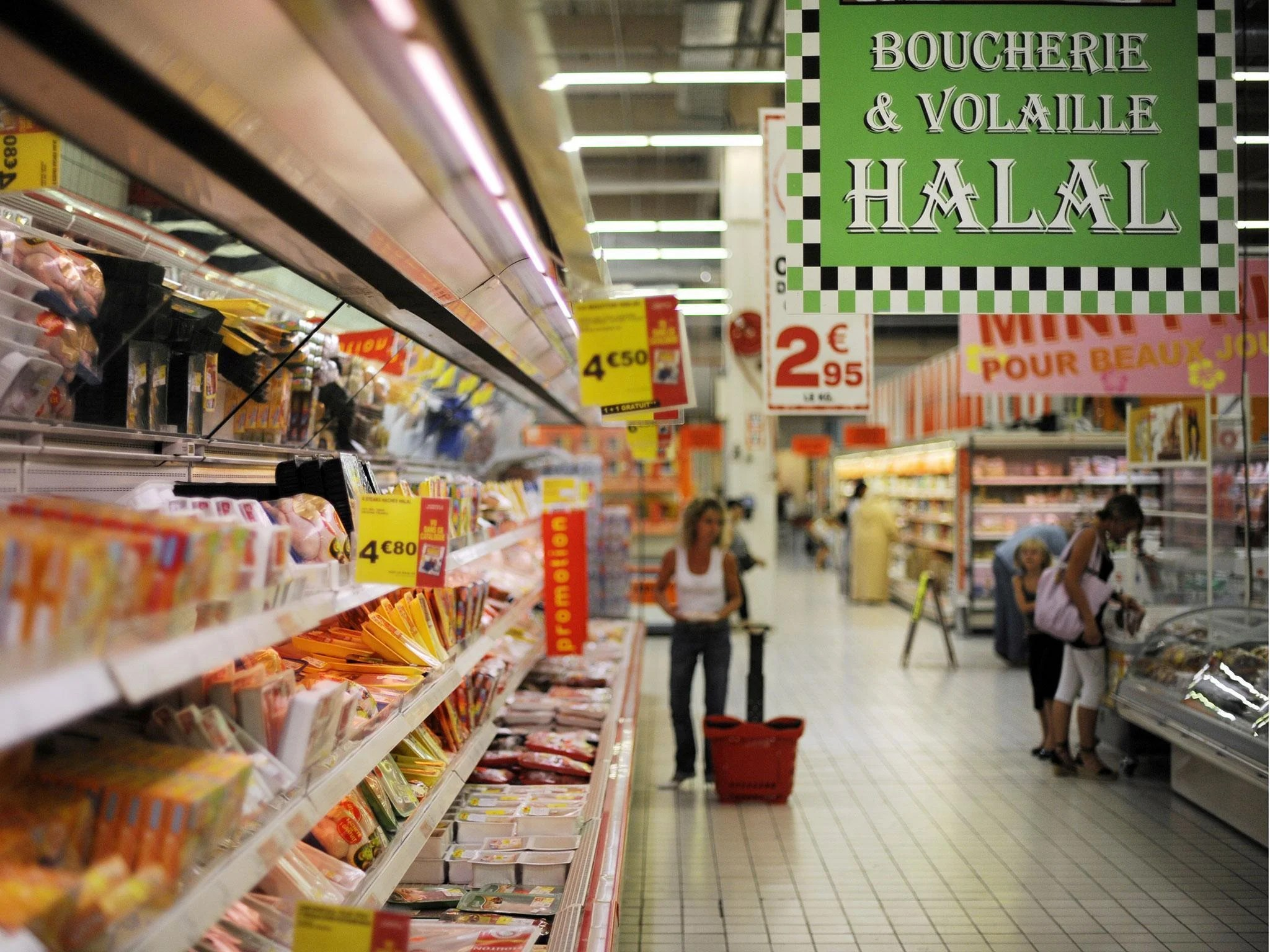 Halal supermarket in Paris told to sell pork and alcohol or face      It s business   the manager of Good Price said   I look around