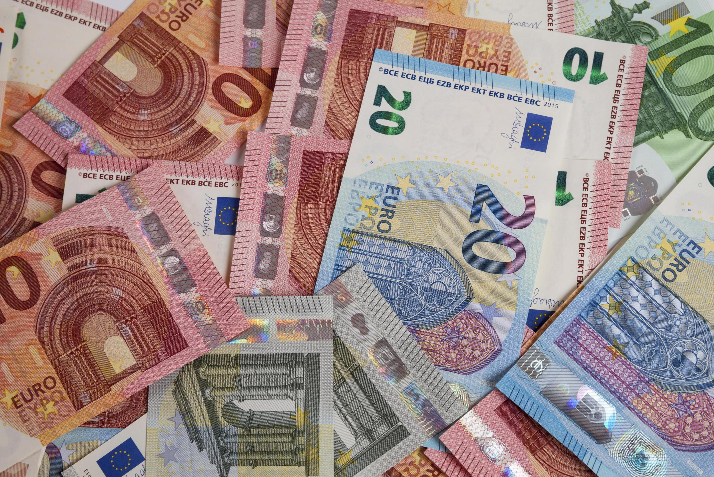 uk holidaymakers face worst euro exchange rate ever seen for summer getaways