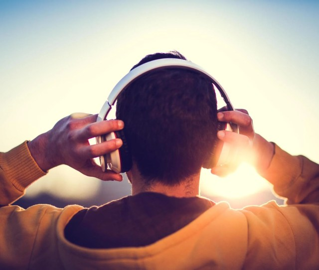 If Music Gives You Chills Your Brain Might Be Special Research Finds