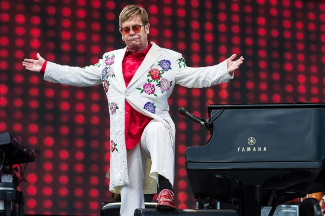 Картинки по запросу Elton John: 'Being a performer saved my life'