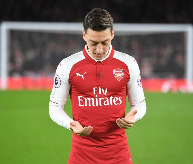 Mesut Ozil Has Finally Agreed To Extend His Stay At The Club