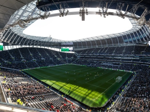 Tottenham players train at new stadium for first time ...