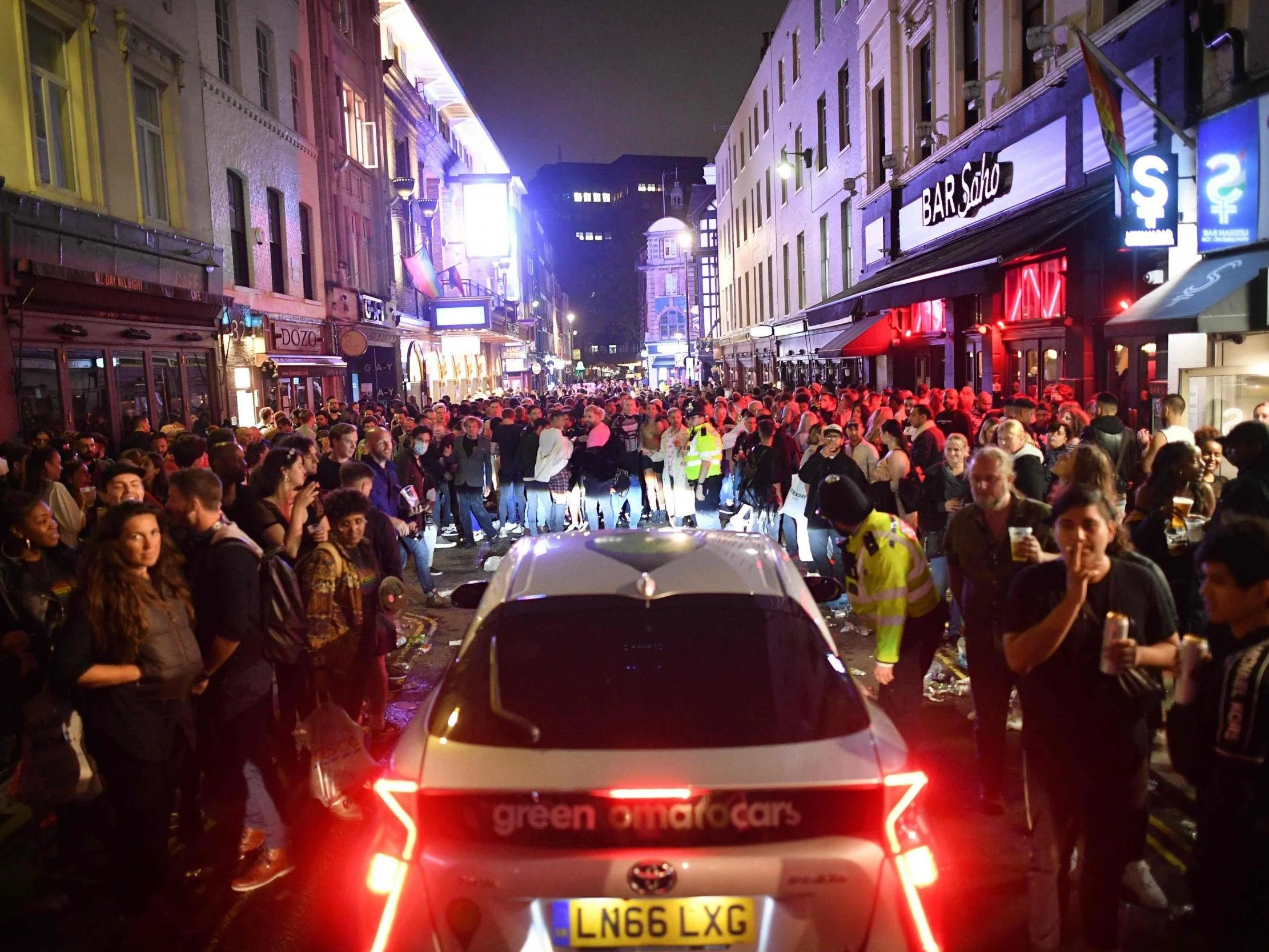 Coronavirus: Packed Soho scenes spark concern as pubs and bars reopen 7