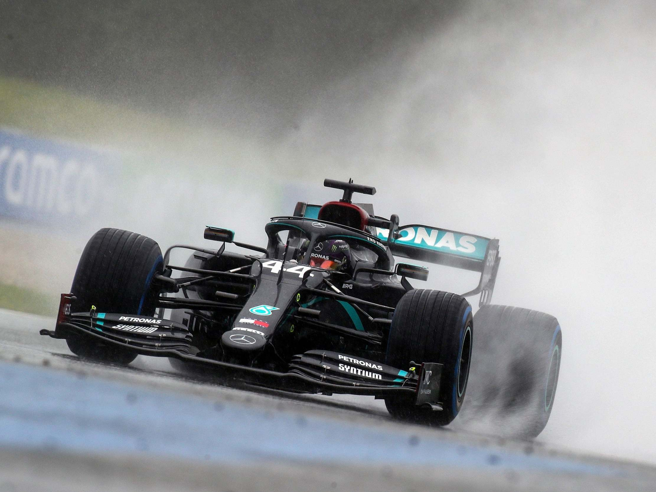 Styrian Grand Prix: Lewis Hamilton takes supreme pole position in wet qualifying 9
