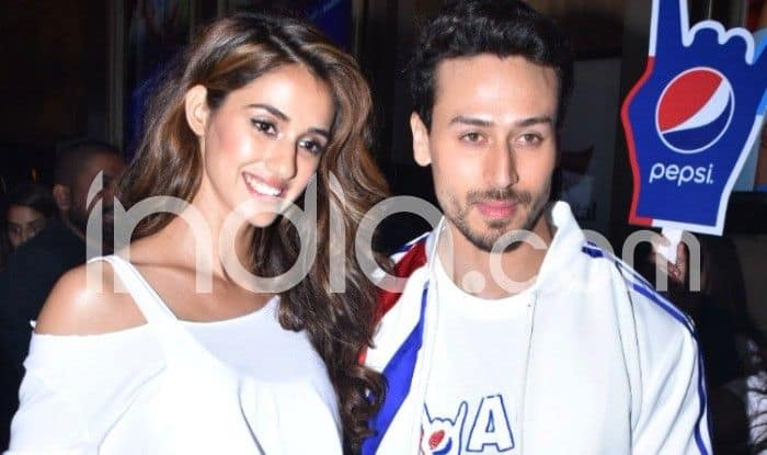 Disha Patani – Tiger Shroff Gets Pulled Over by Mumbai Police While They Were Enjoying Car Drive