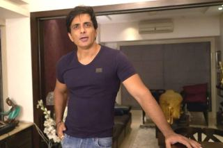 Sonu Sood Assures Help To Makeup Artists Who Gather Outside His Residence