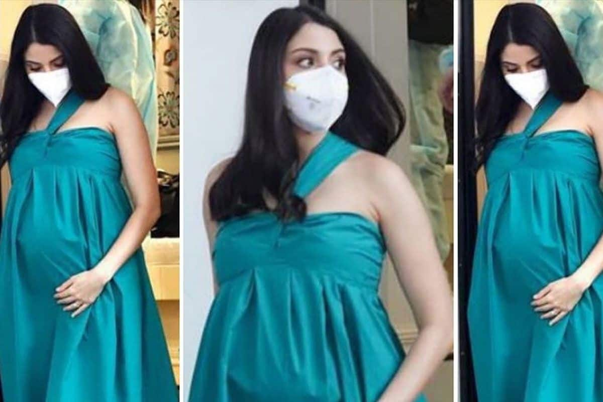 Anushka Sharma Steps Out in Mumbai For an Ad Shoot in Teal Green Gown, Her Pregnancy Glow is Unmissable