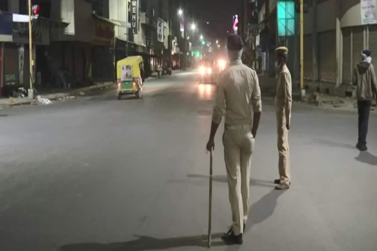 Breaking News-Night Curfew To Control Covid in India
