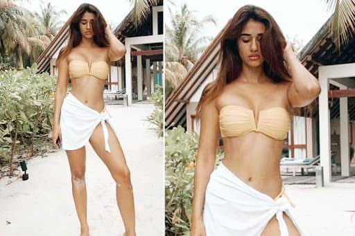 Disha Patani Looks Smoking Hot in Peach Bikini As She Flaunts Her Perfect Curves, Fans Go Gaga Over Her Sultry Look