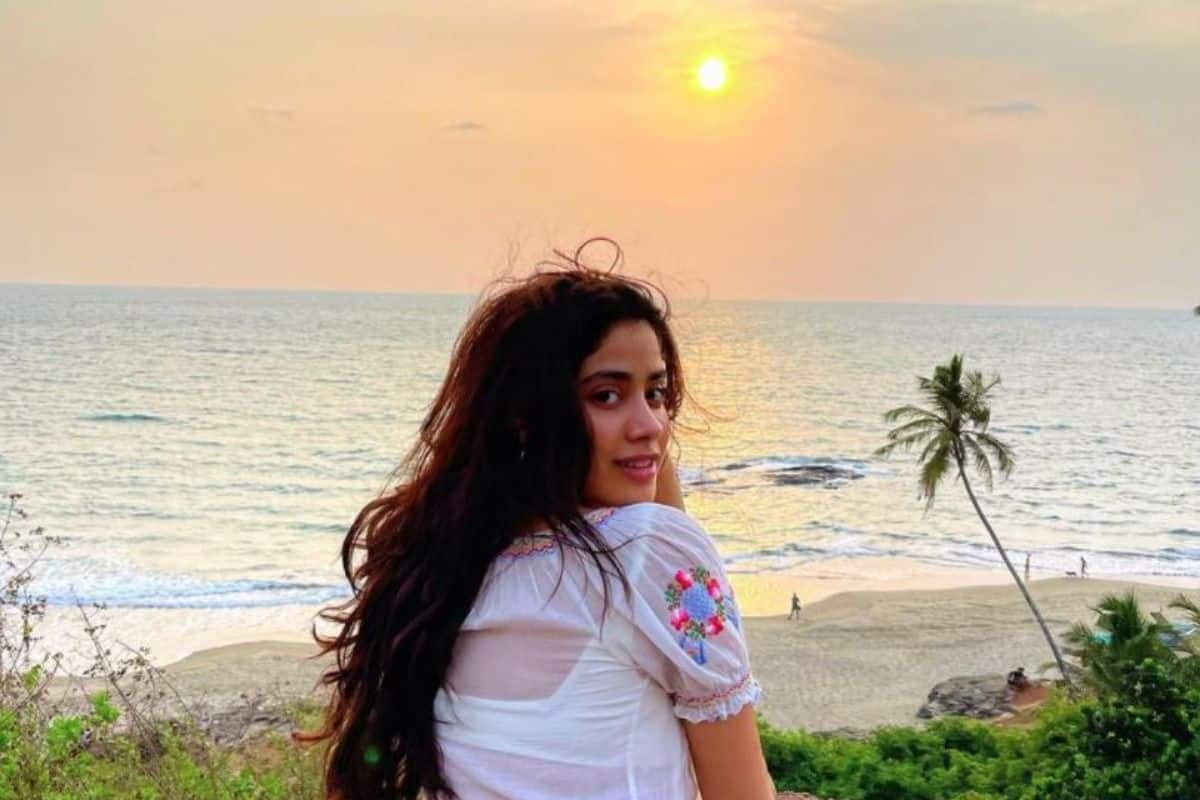 Janhvi Kapoor Apologises to Mother Earth For Not Valuing What it Has Given