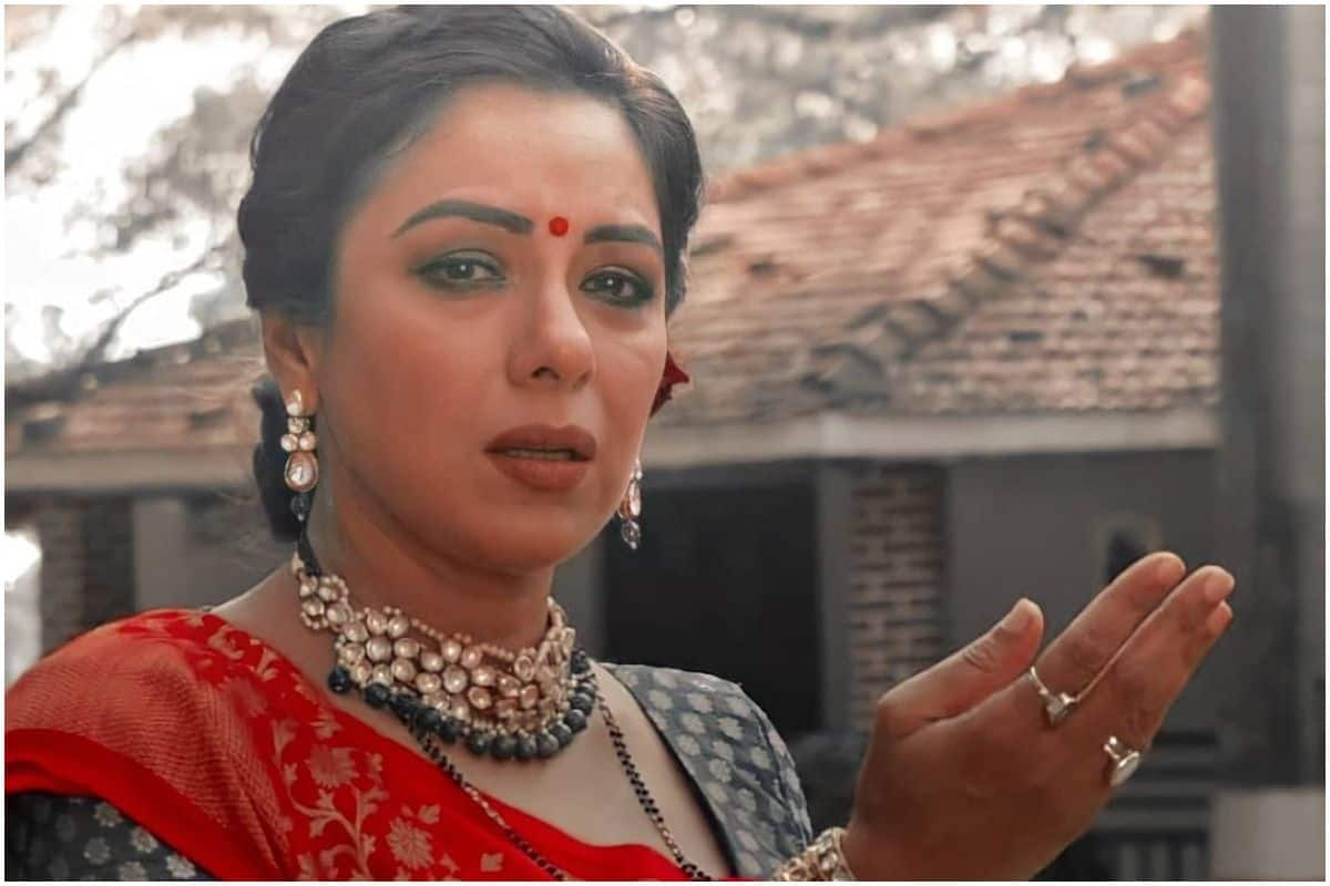 Rupali Ganguly Dons Nataraj Avatar to Clear The Chaos in Mind