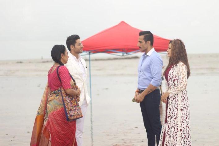 Vanraj and Kavya pay a surprise visit to Anupama and Anuj