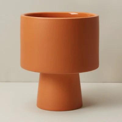 Oui large pedestal planter