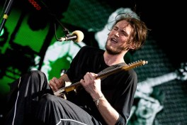 Chitaristul RHCP în concert pe 31 august la Arena Națională (foto: Alex Chelba)