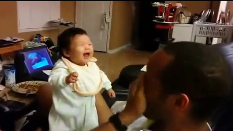 When Babies Laugh First Time