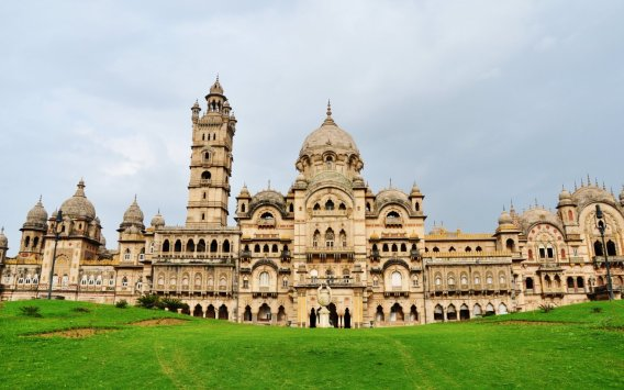 Laxmi Vilas Palace at Vadodara - IonWebs.com