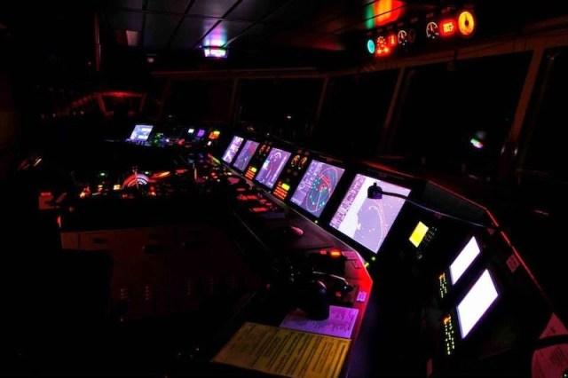 Passadiço do full container Maersk Triple-E. (Imagem: Google Images)