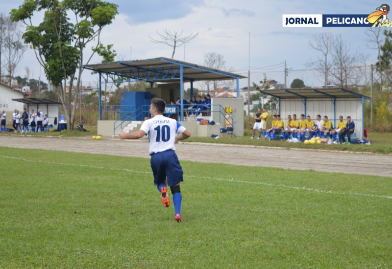 Al. Rodolfo Anuda comemora seu gol. (Foto: AL. Colares / Jornal Pelicano)