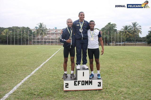 Pódio da prova de 100m rasos. (Foto: Al. Ingrid Ferreira / Jornal Pelicano)