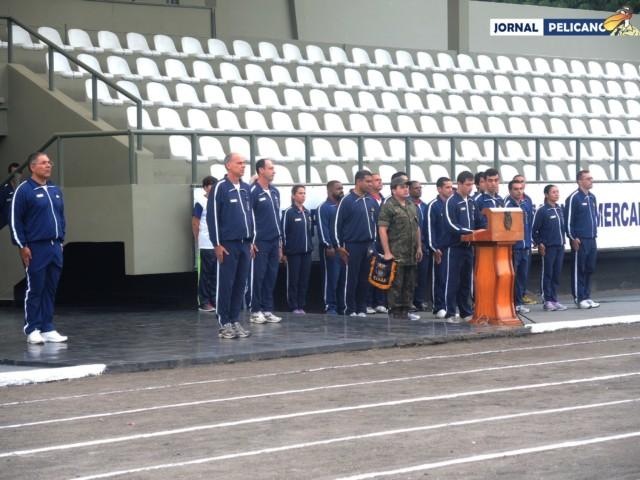 Al. Leonardo convoca os atletas a jurarem esportividade. (Foto: Al. Helena Ferreira / Jornal Pelicano)