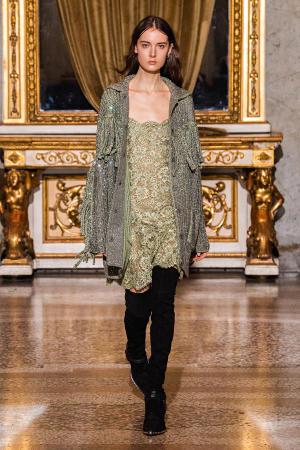Ermanno Scervino: Ermanno Scervino Fall Winter 2021-22 Fashion Show Photo #23