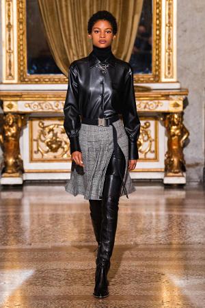 Ermanno Scervino: Ermanno Scervino Fall Winter 2021-22 Fashion Show Photo #25