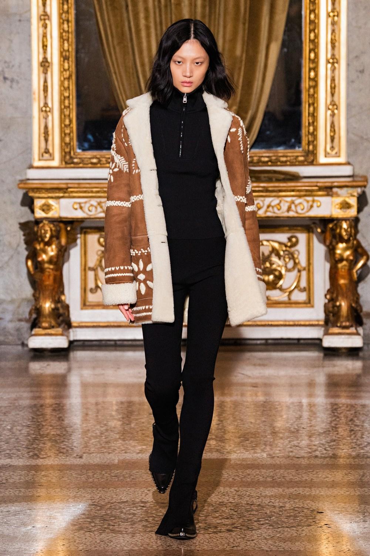 Ermanno Scervino: Ermanno Scervino Fall Winter 2021-22 Fashion Show Photo #15