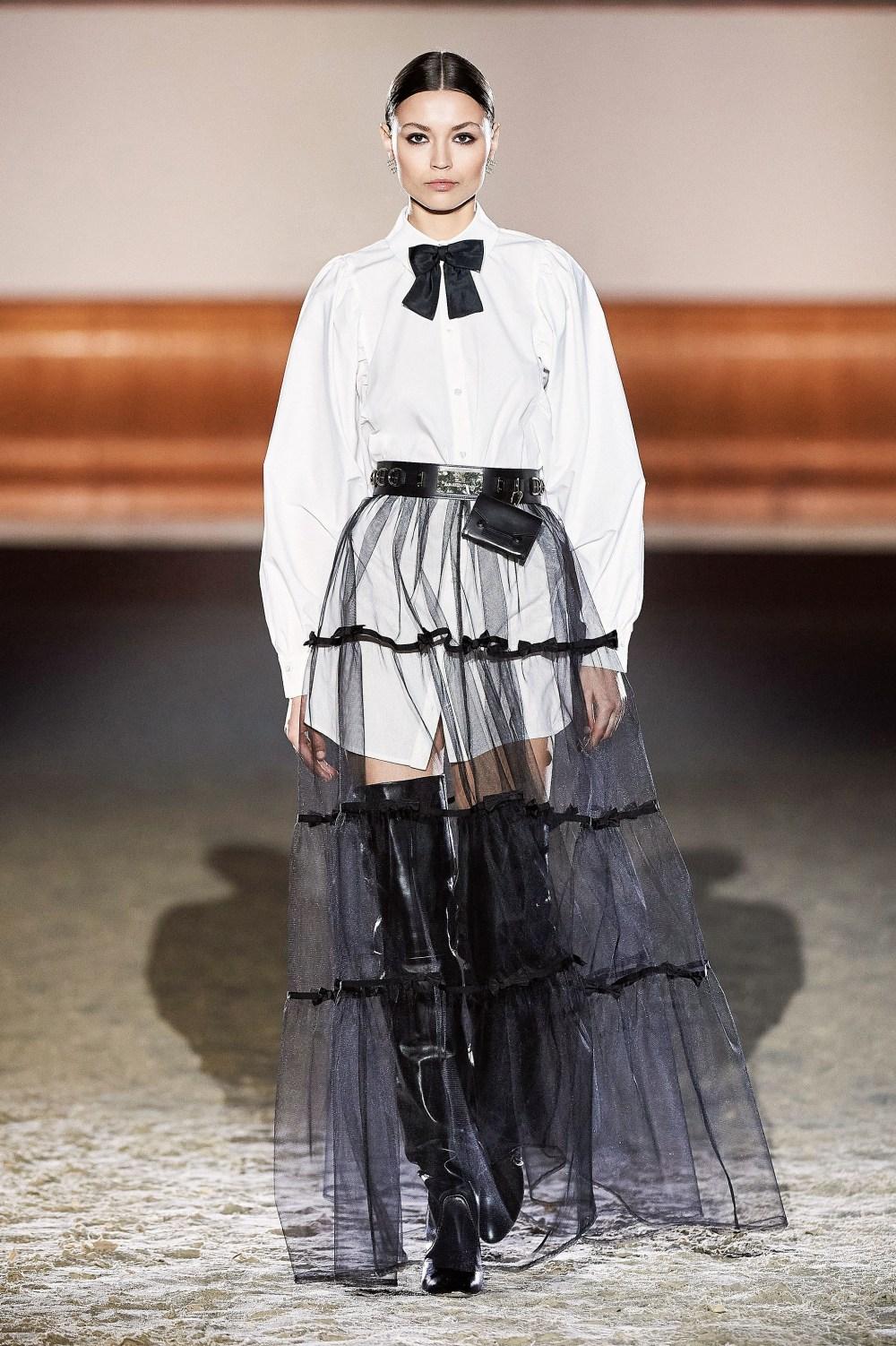 Elisabetta Franchi: Elisabetta Franchi Fall Winter 2021-22 Fashion Show Photo #56