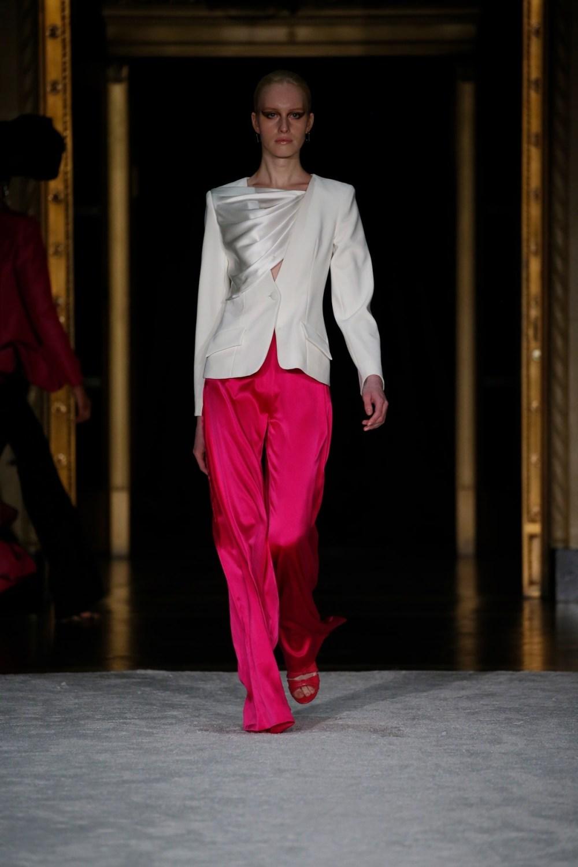 Christian Siriano: Christian Siriano Fall Winter 2021-22 Fashion Show Photo #32