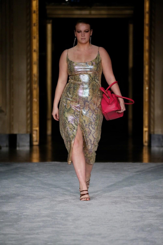 Christian Siriano: Christian Siriano Fall Winter 2021-22 Fashion Show Photo #29
