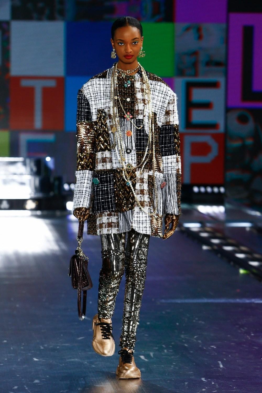 Dolce & Gabbana: Dolce & Gabbana Fall Winter 2021-22 Fashion Show Photo #36
