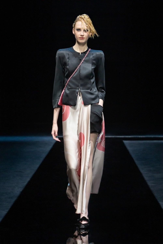 Armani: Giorgio Armani Fall Winter 2021-22 Fashion Show Photo #38