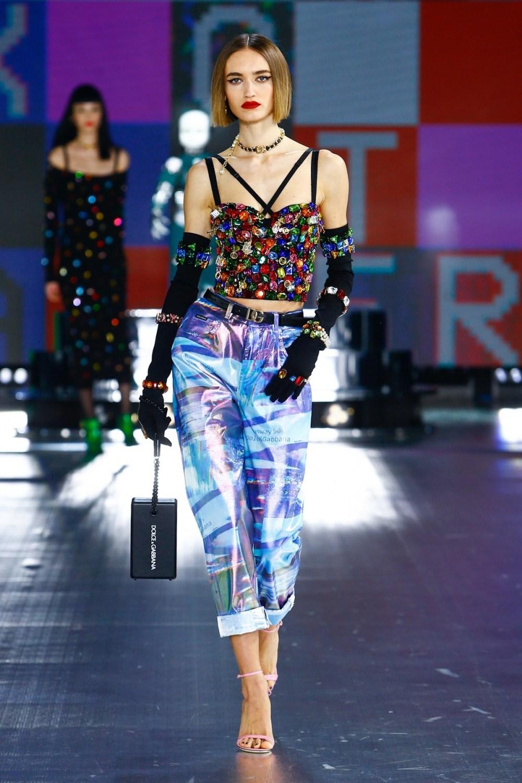 Dolce & Gabbana: Dolce & Gabbana Fall Winter 2021-22 Fashion Show Photo #19