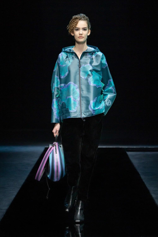 Armani: Giorgio Armani Fall Winter 2021-22 Fashion Show Photo #1