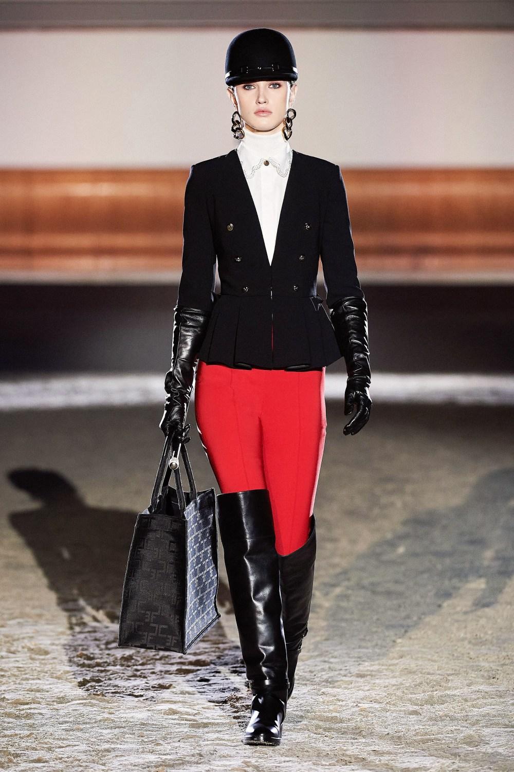 Elisabetta Franchi: Elisabetta Franchi Fall Winter 2021-22 Fashion Show Photo #38
